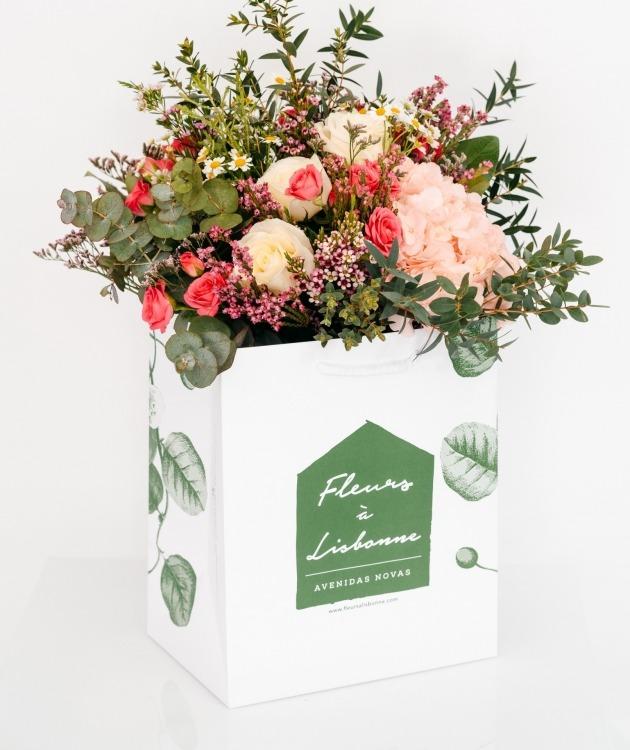 Fleurs à Lisbonne - Ramo de Hortense e Rosas de Santa Teresinha 1