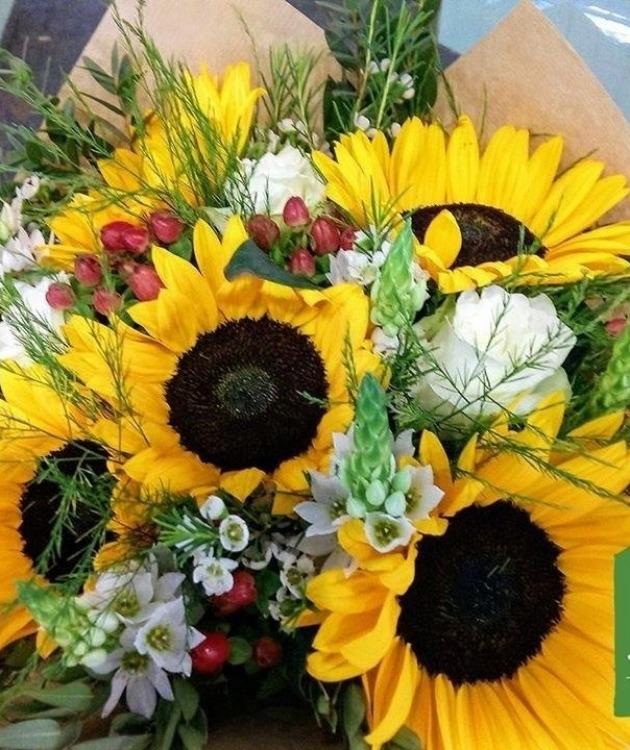 Fleurs à Lisbonne - Bouquet de Girassóis 1