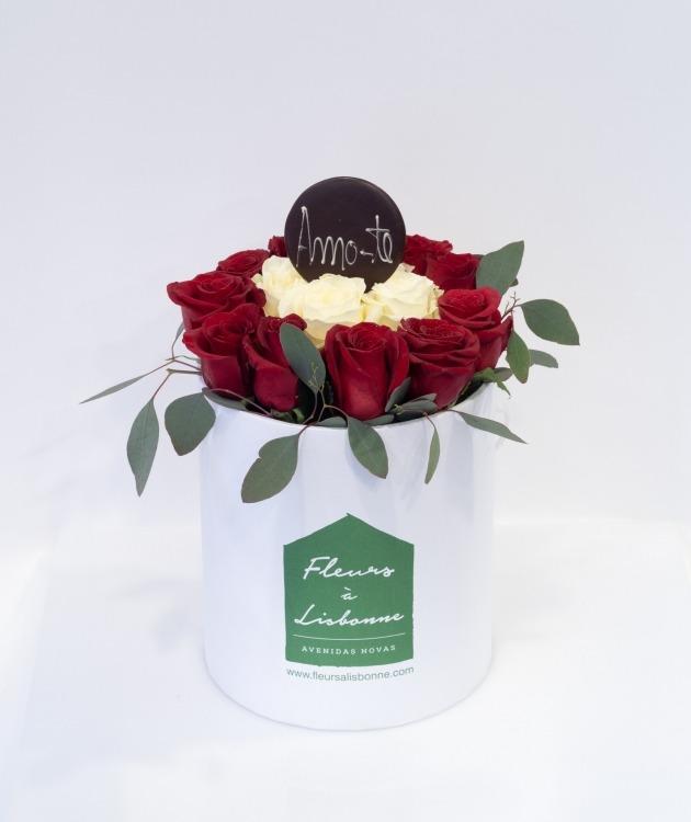 Fleurs à Lisbonne - Caixa Alta de Rosas Vermelhas e Brancas 4