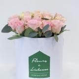 Fleurs à Lisbonne - Caixa Alta de Rosas Cor de Rosa e Eucalipto 4 Thumb