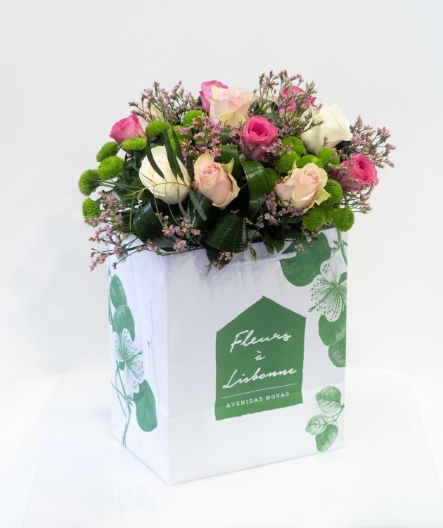 Fleurs à Lisbonne - Ramo de Rosas, Limonium e Margaridas 1