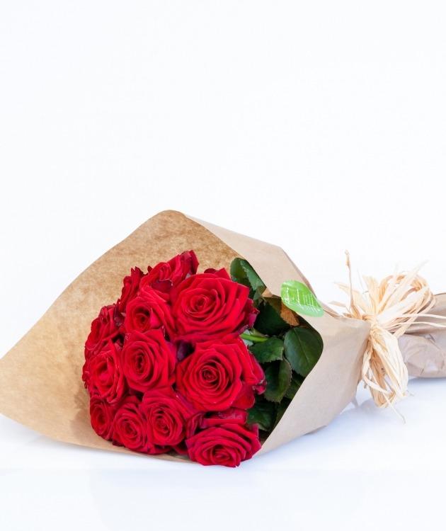 Fleurs à Lisbonne - Molho de rosas vermelhas 1