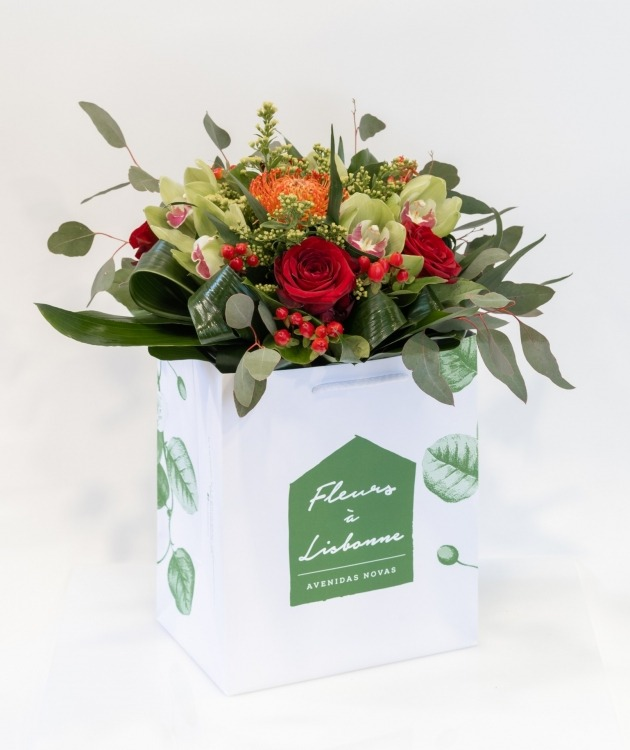 Fleurs à Lisbonne - Ramo de Rosas Vermelhas e Orquídeas Verdes 1