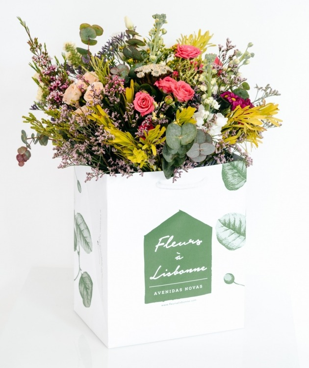 Fleurs à Lisbonne - Ramo Campestre de Rosas de Santa Teresinha 1