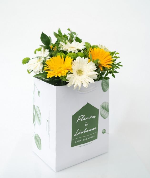 Fleurs à Lisbonne - Ramo de Gerberas Amarelas e Brancas 1