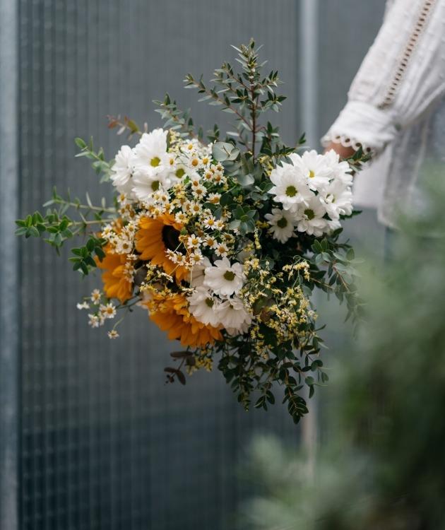 Fleurs à Lisbonne - Ramo de Girassóis e Margaridas Brancas 3