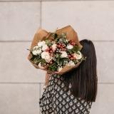 Fleurs à Lisbonne - Ramo de Rosas Brancas Campestre Premium 6 Thumb