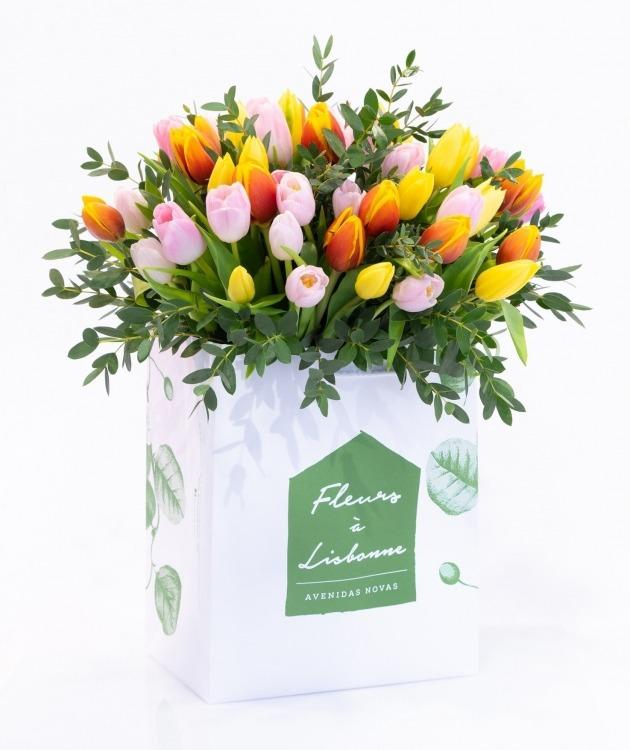 Fleurs à Lisbonne - Ramo de Tulipas Multicolor 1