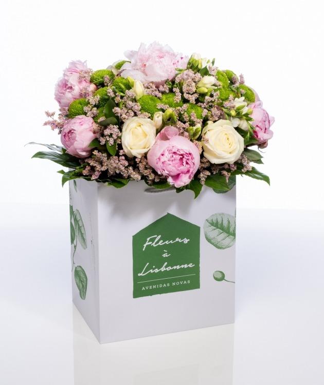 Fleurs à Lisbonne - Ramo de Rosas e Peónias Premium 1
