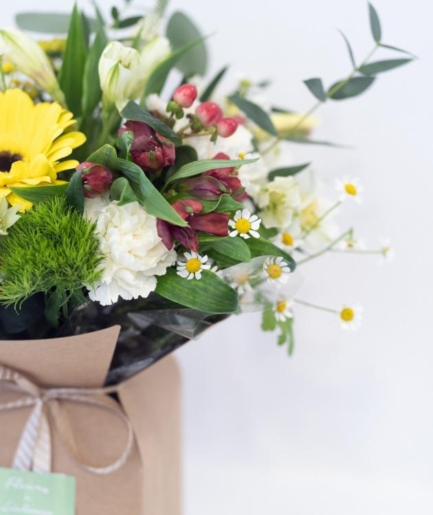 Fleurs à Lisbonne - Caixa de Flores Campestres Amarelas 4