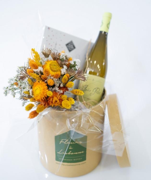 Fleurs à Lisbonne - Caixa com Ramo de Secos, Chocolates e Vinho Branco 2