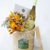 Fleurs à Lisbonne - Caixa com Ramo de Secos, Chocolates e Vinho Branco 2 Thumb