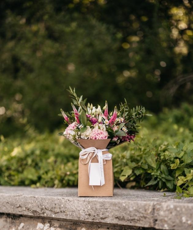 Fleurs à Lisbonne - Caixa com Arranjo de Flores Campestres 3