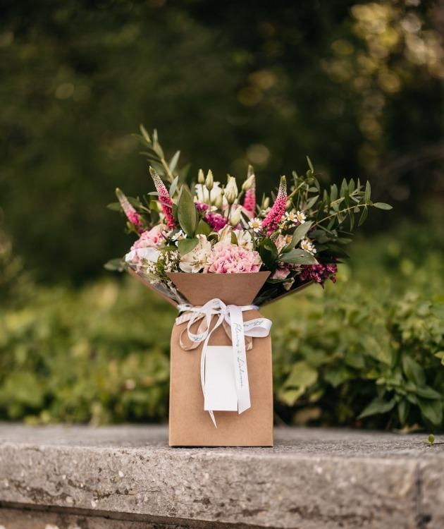 Fleurs à Lisbonne - Caixa com Arranjo de Flores Campestres 4